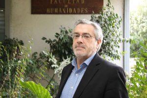 Dr. Bernardo Navarrete Yañez